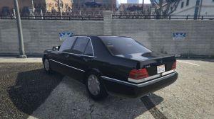 Mercedes-Benz S600 - старый мерседес