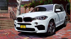 BMW X5M 2017 - спортивная бмв